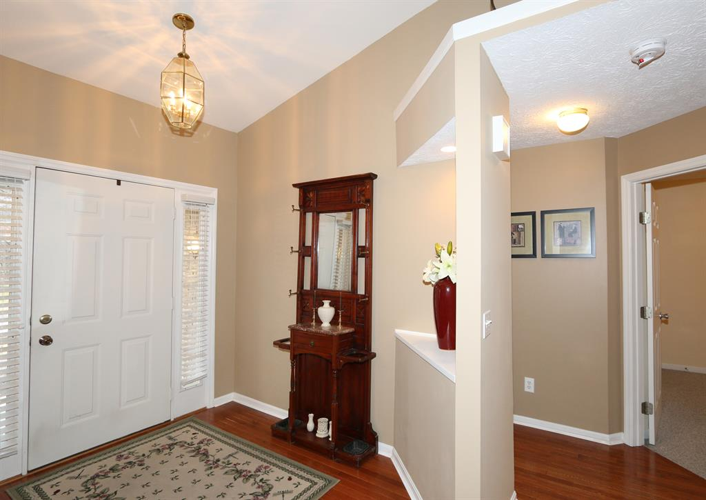 Foyer for 1222 Napa Ridge Ct Union, KY 41091