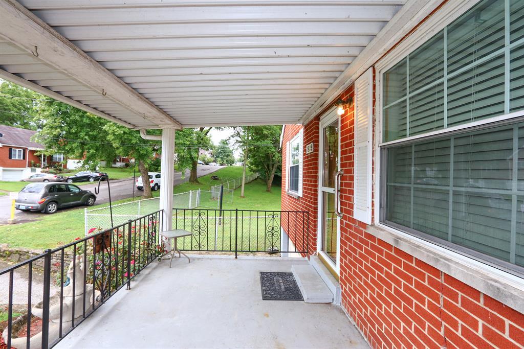 Entrance for 2805 Rosina Ave Covington, KY 41015