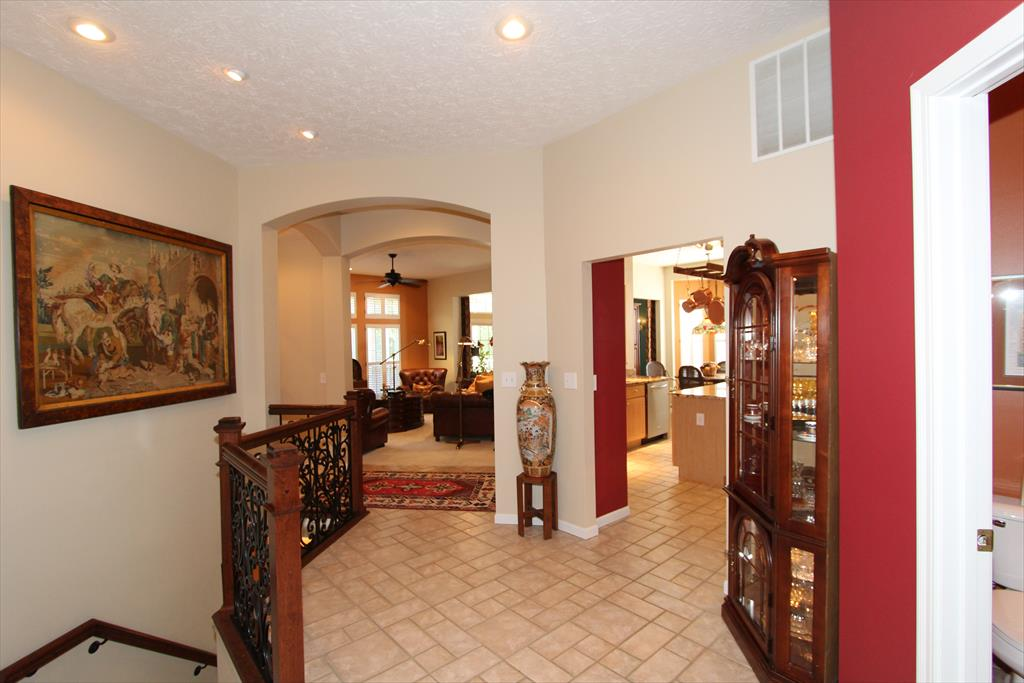 Foyer for 6528 Balcomie Ct Florence, KY 41042