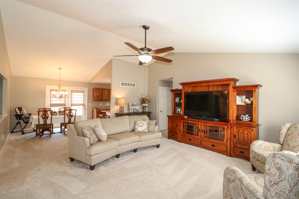 Living Room image 2 for 6311 Filly Ct Independence, KY 41051