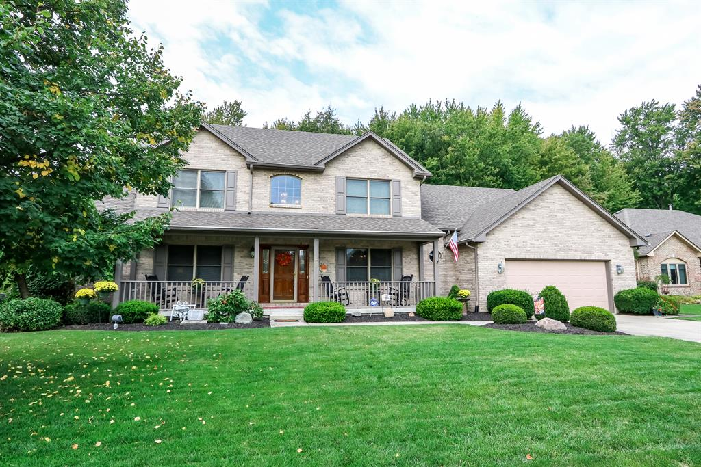 233 Old Carriage Dr Englewood, OH