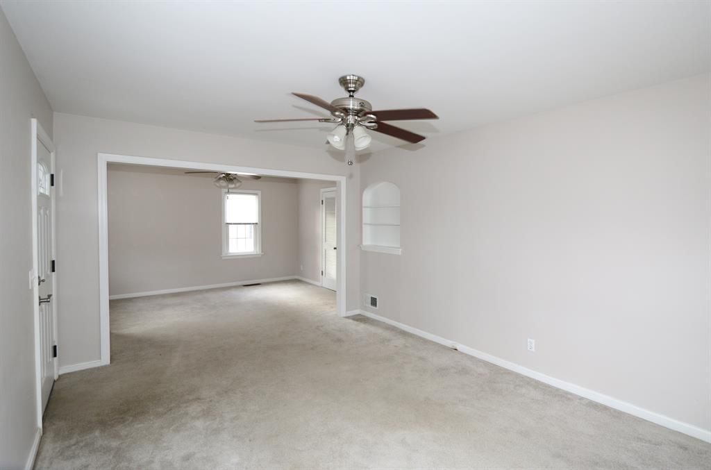 Living Room for 125 Gatch St Milford, OH 45150