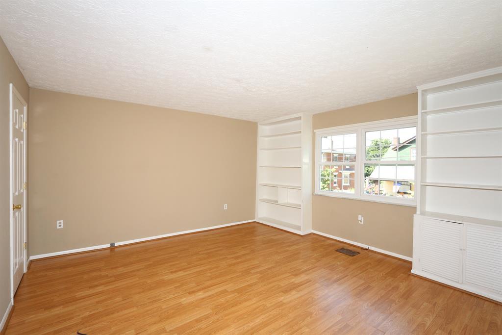 Living Room for 1721 Jefferson Ave Covington, KY 41014