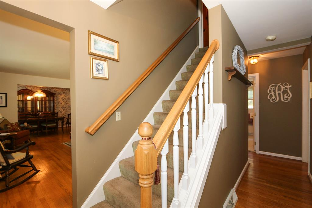Foyer for 1714 Monticello Dr Fort Wright, KY 41011