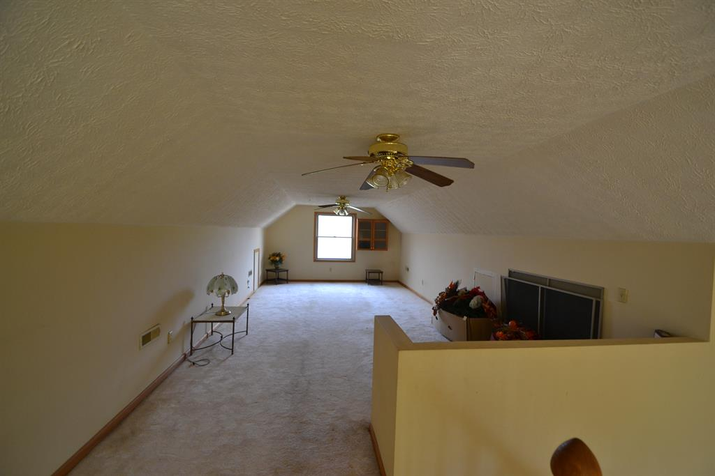 Loft for 1765 River Rd Huntington Twp., OH 45101