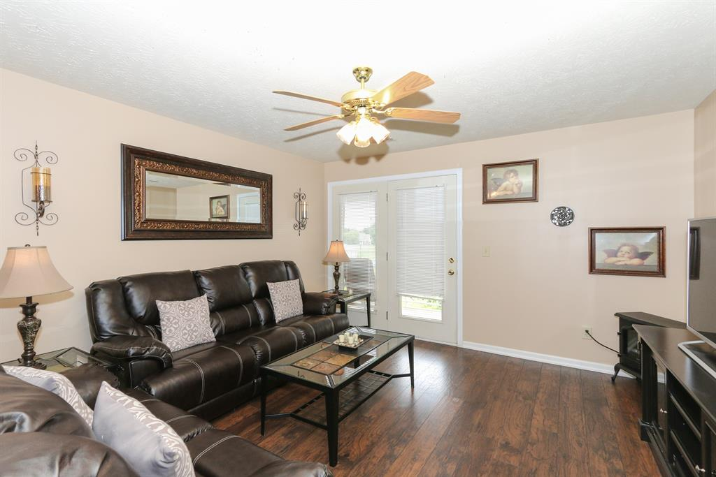 Living Room for 600 Friars Ln Ln, #7 Florence, KY 41042