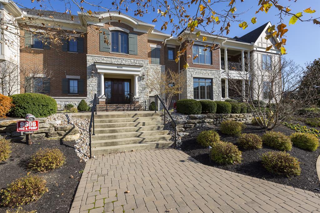 9606 Park Manor Blvd #201 Blue Ash, OH