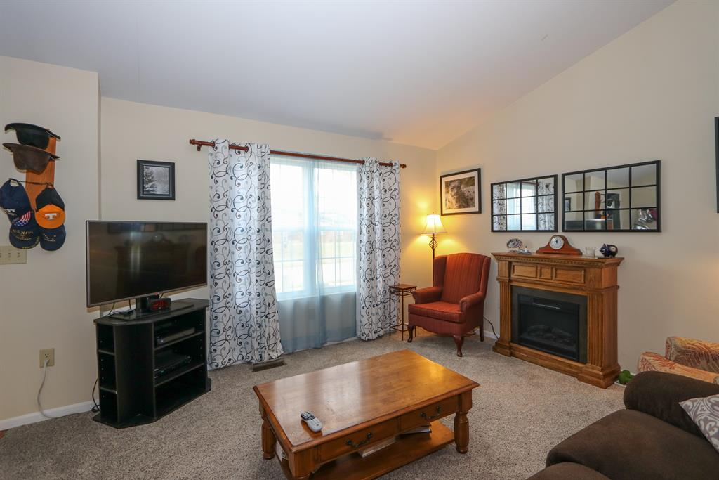 Living Room for 8745 Sentry Dr Florence, KY 41042
