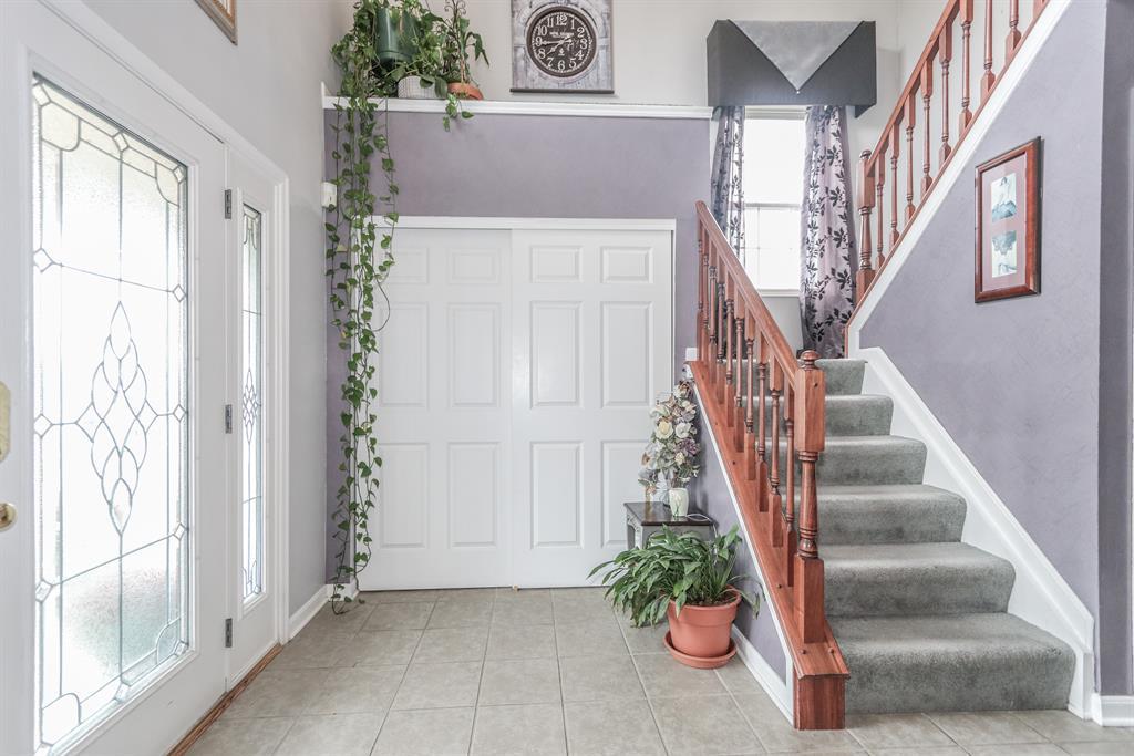 Foyer for 12157 Huntergreen Dr Colerain Twp.East, OH 45251