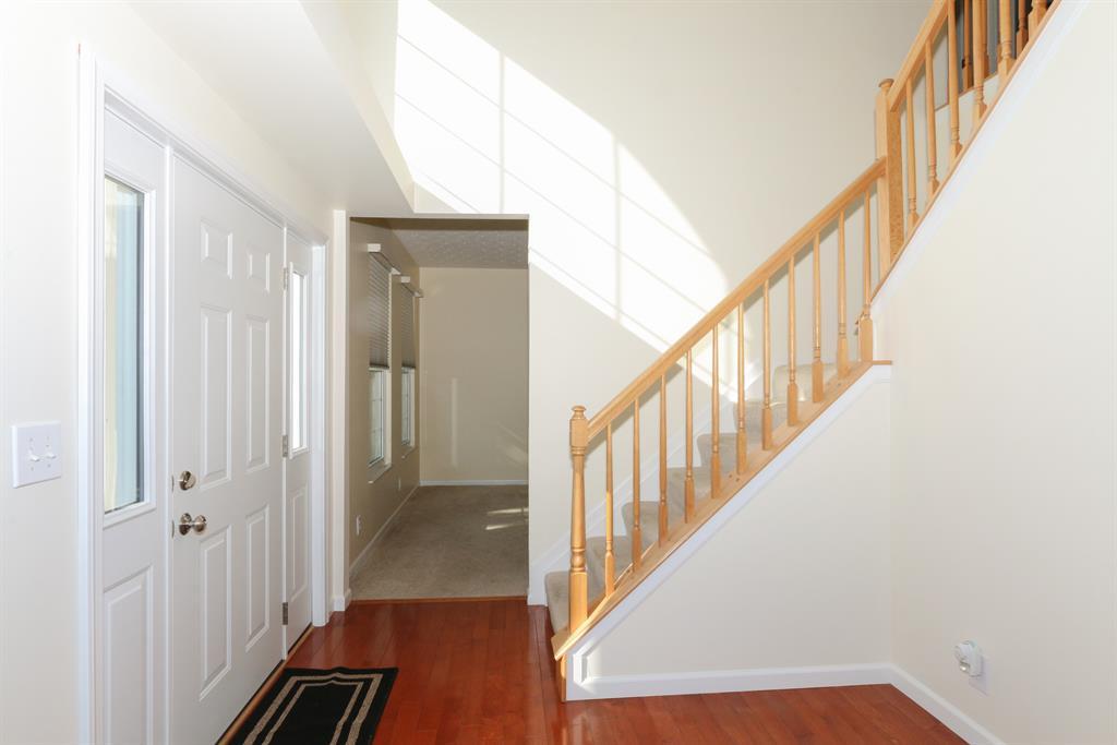 Foyer for 40 Glenridge Dr Cold Spring, KY 41076