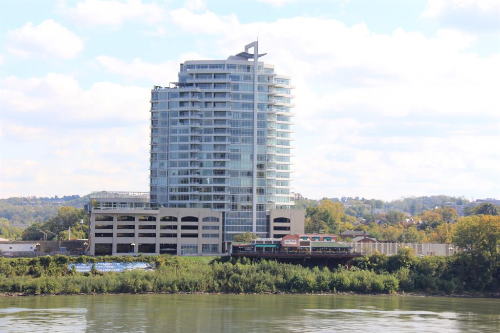 400 Riverboat Row, 804