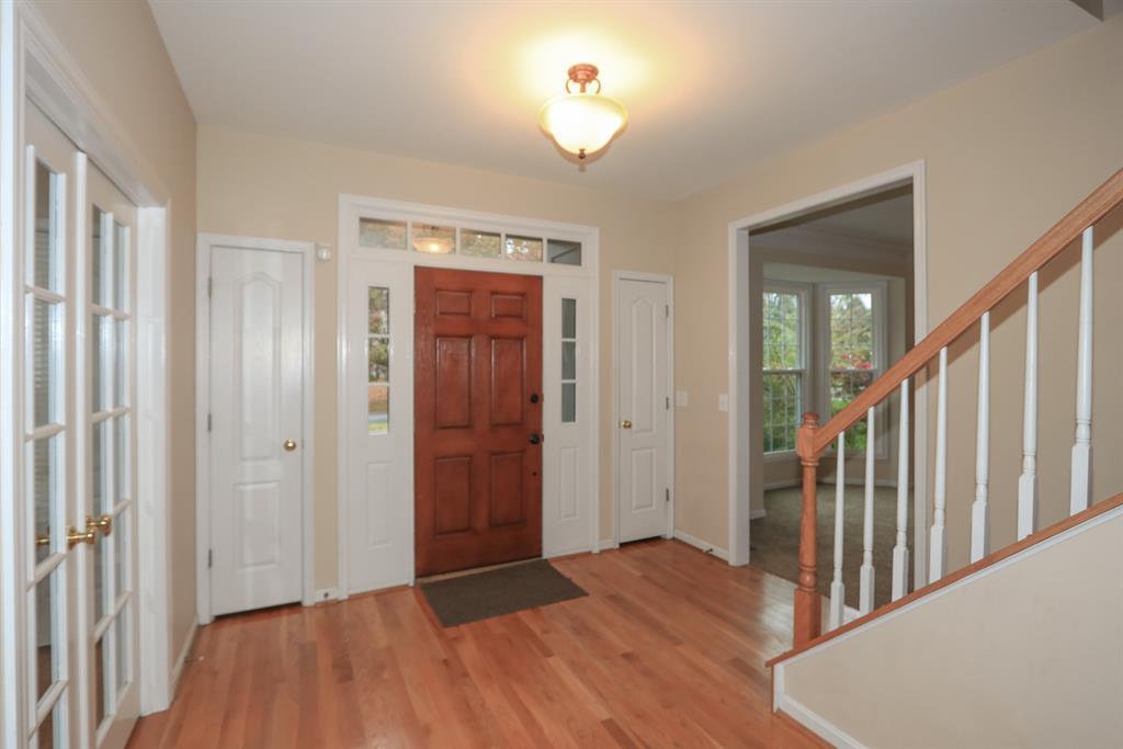 Foyer for 262 Glen Lake Rd Loveland, OH 45140