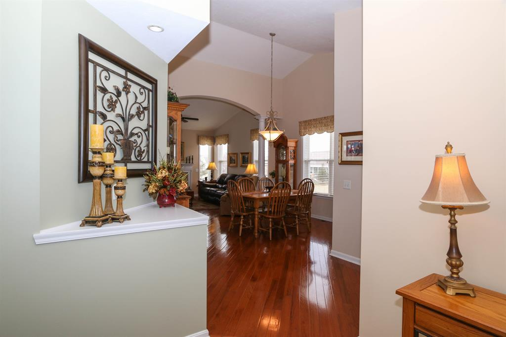 Foyer for 6267 Thicket Lake Ln Maineville, OH 45039