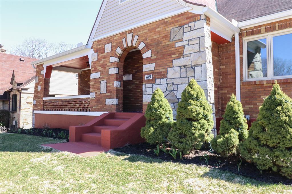 Entrance for 262 E Melford Ave Dayton, OH 45405