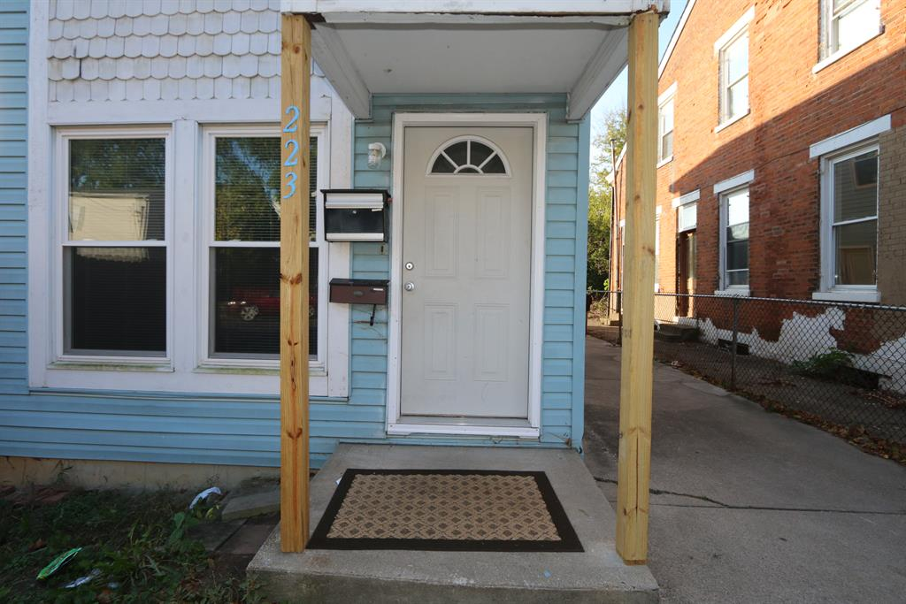 Entrance for 223 E 12th St Covington, KY 41011