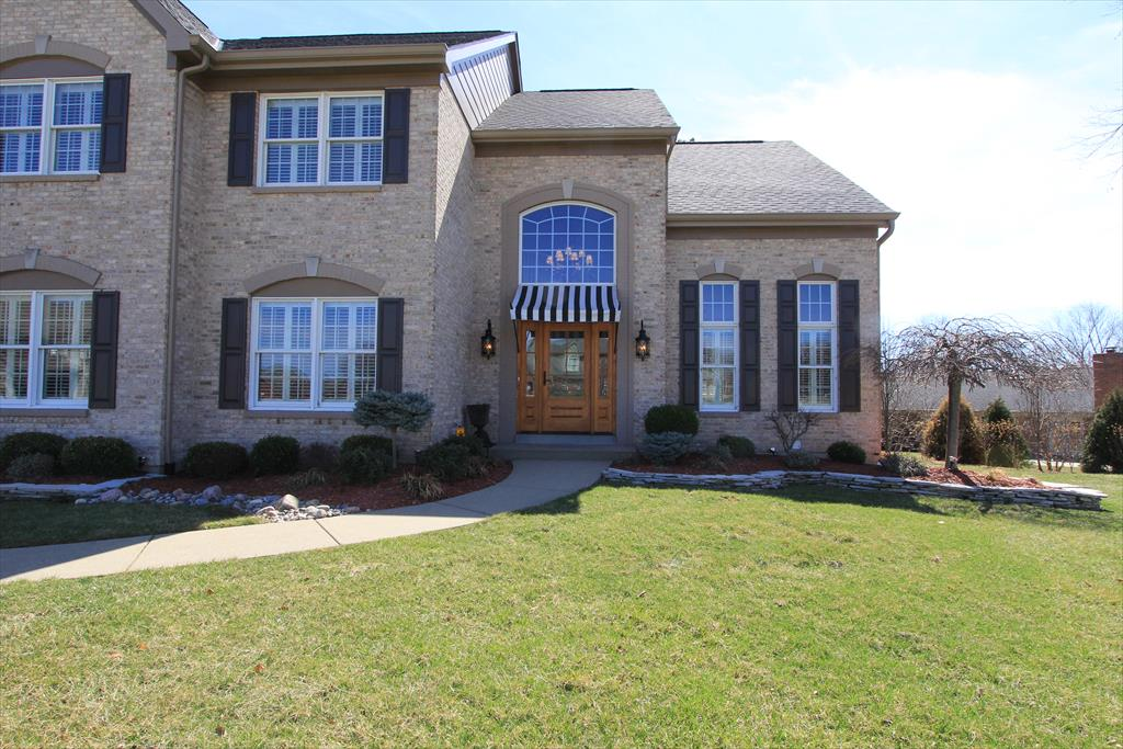 Entrance for 925 North Oak Dr Villa Hills, KY 41017