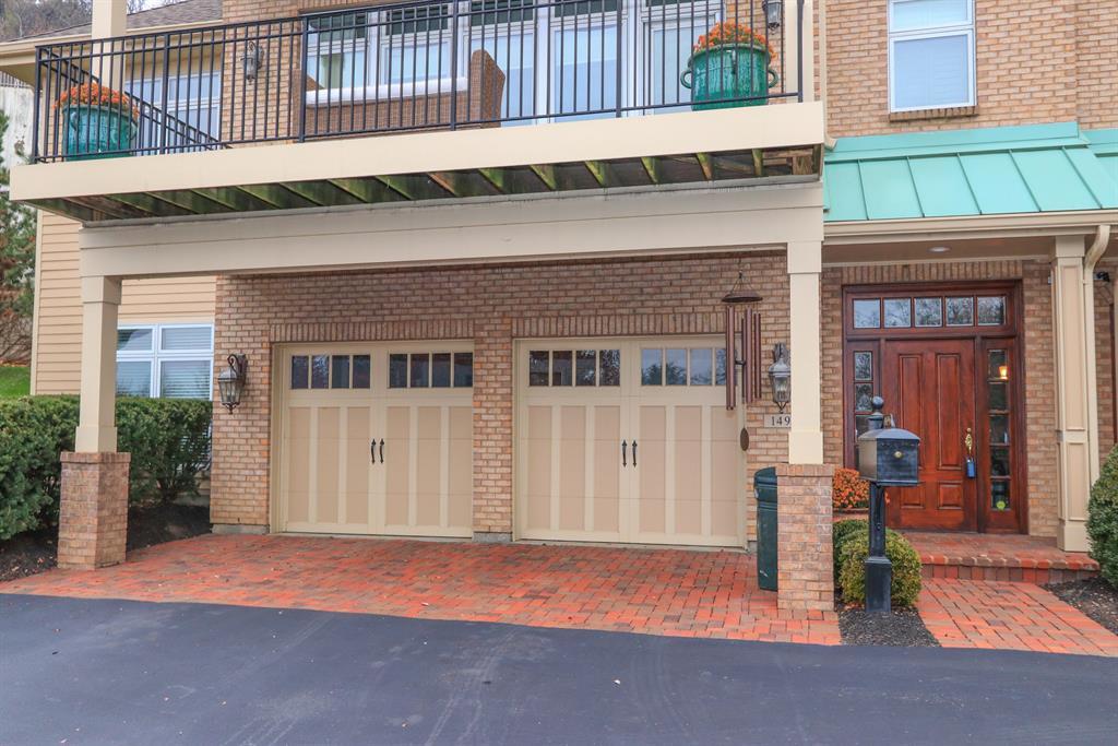 Garage for 1494 Riverside Dr East End, OH 45202