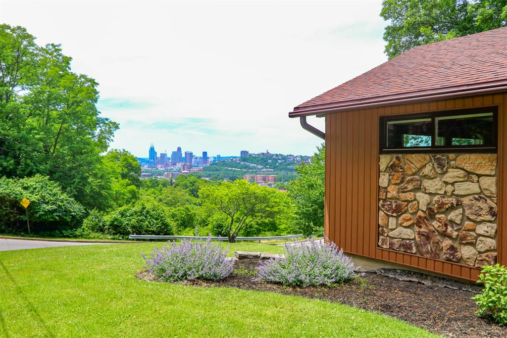 View for 321 Fairview Dayton, KY 41074
