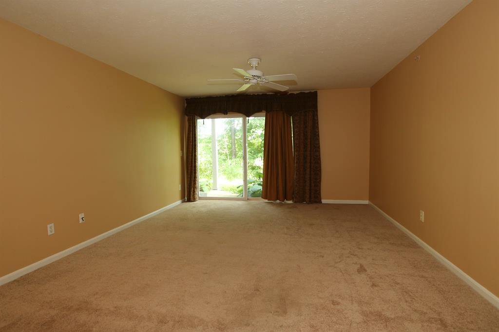 Living Room for 1802 Ashley Ct, 103 Florence, KY 41042
