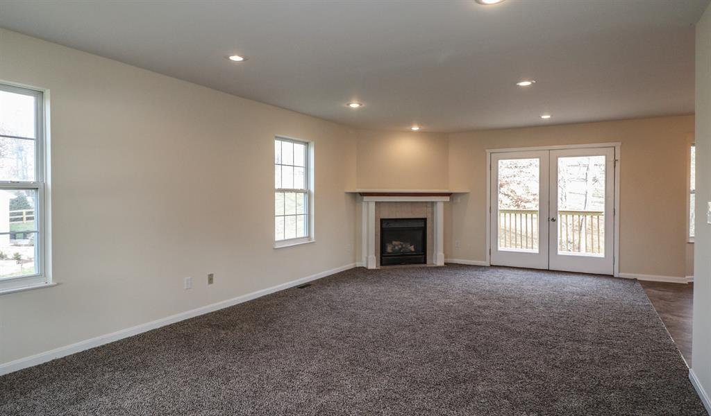 Living Room for 740 Bear Ct Independence, KY 41051