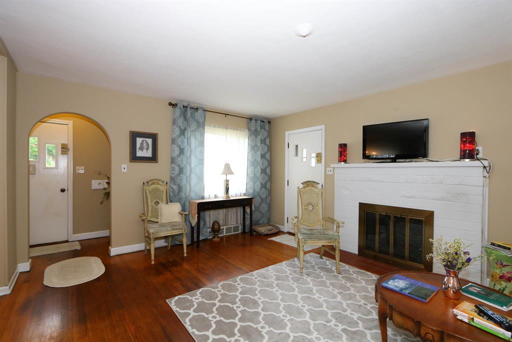 Living Room for 235 Tebbs Ave Greendale, IN 47025