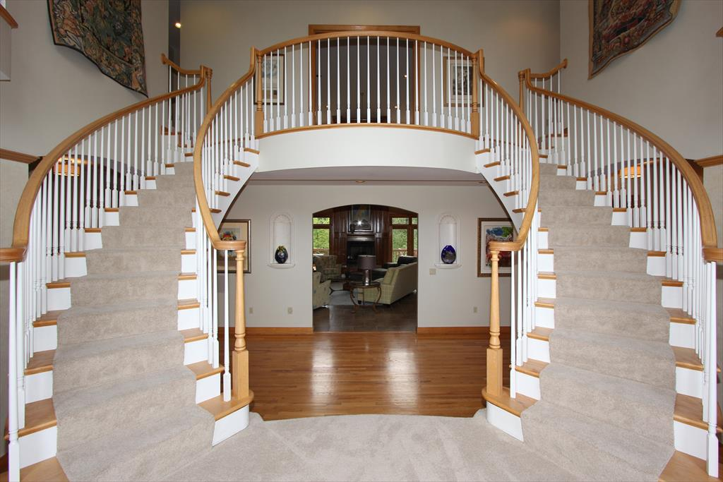 Foyer for 1806 River Heights Villa Hills, KY 41017