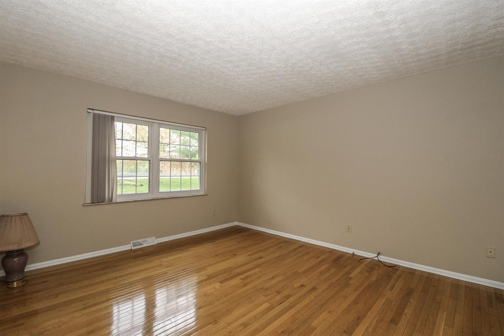 Living Room for 3880 Stewart Dr Ryland Heights, KY 41015