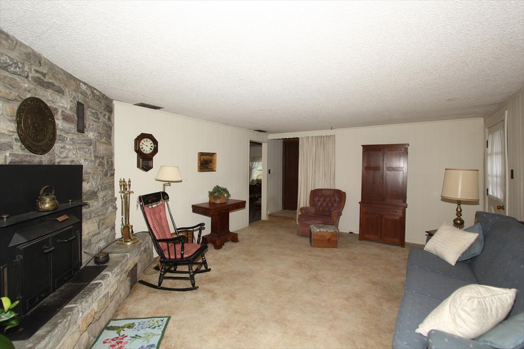 Living Room image 2 for 10478 Gunpowder Rd Florence, KY 41042
