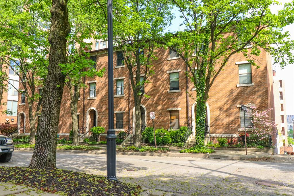 Exterior (Main) 2 for 212 E 2nd St Covington, KY 41011