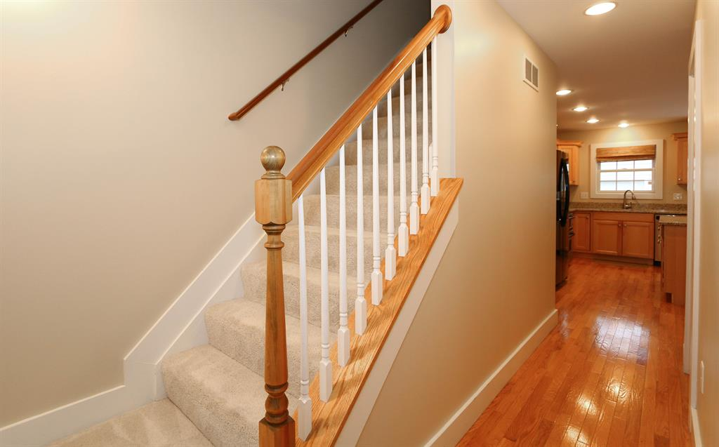 Foyer for 3850 Settle Rd Mariemont, OH 45227