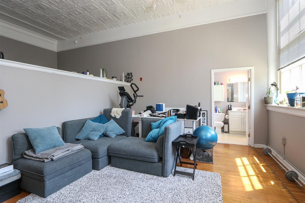 Living Room for 226 McDaniel St, 210 Dayton, OH 45405
