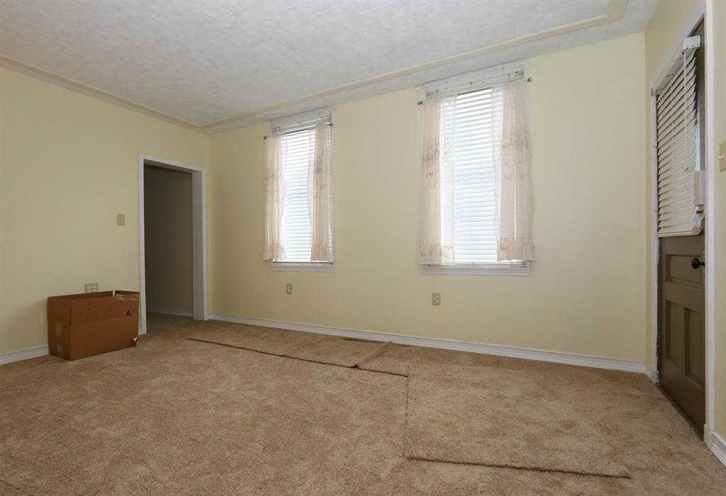 Living Room for 226 Kenton St Bromley, KY 41016