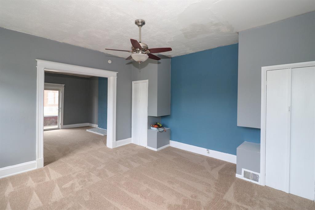 Living Room for 417 W 19th St Covington, KY 41014