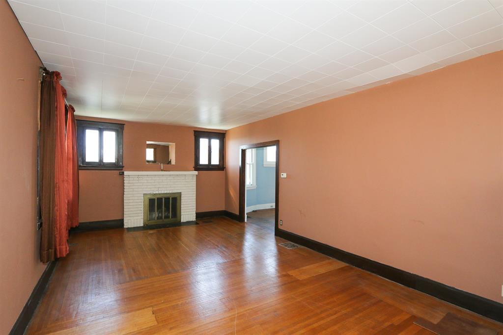 Living Room for 61 Biehl St Newport, KY 41071