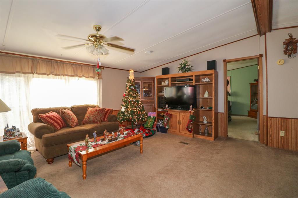 Living Room for 618 Buckeye Hills Rd Falmouth, KY 41040