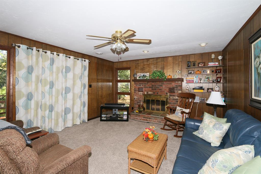 Living Room for 215 Springport Dr Perry Park, KY 40363