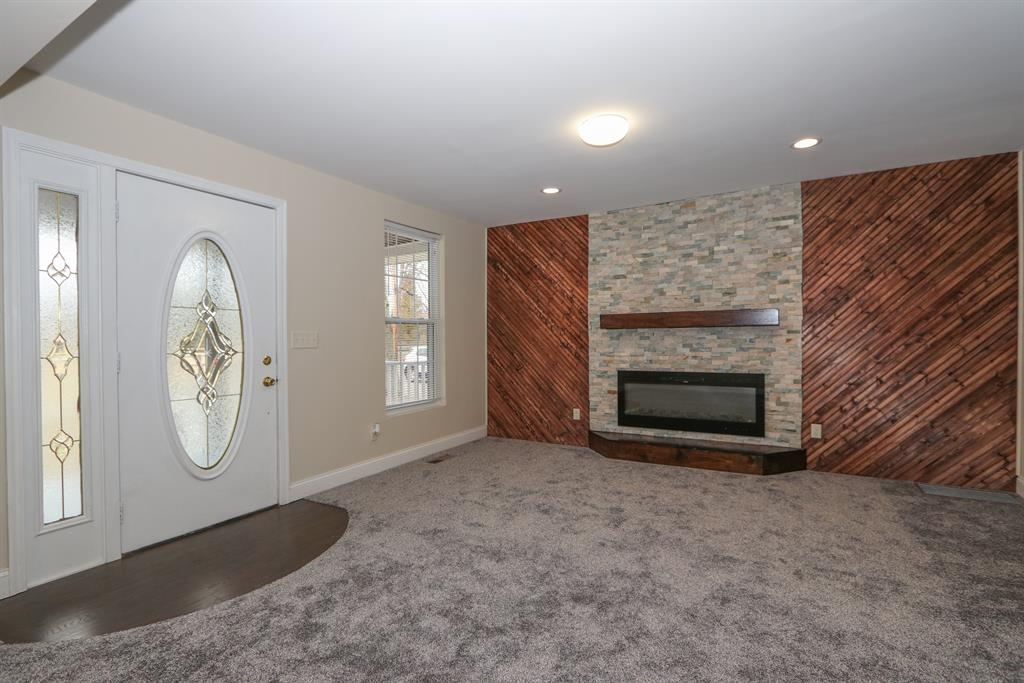 Living Room for 2916 Park St Burlington, KY 41005