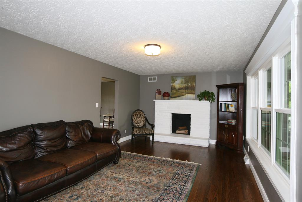 Living Room for 2254 Stephenson Mill Rd Verona, KY 41092