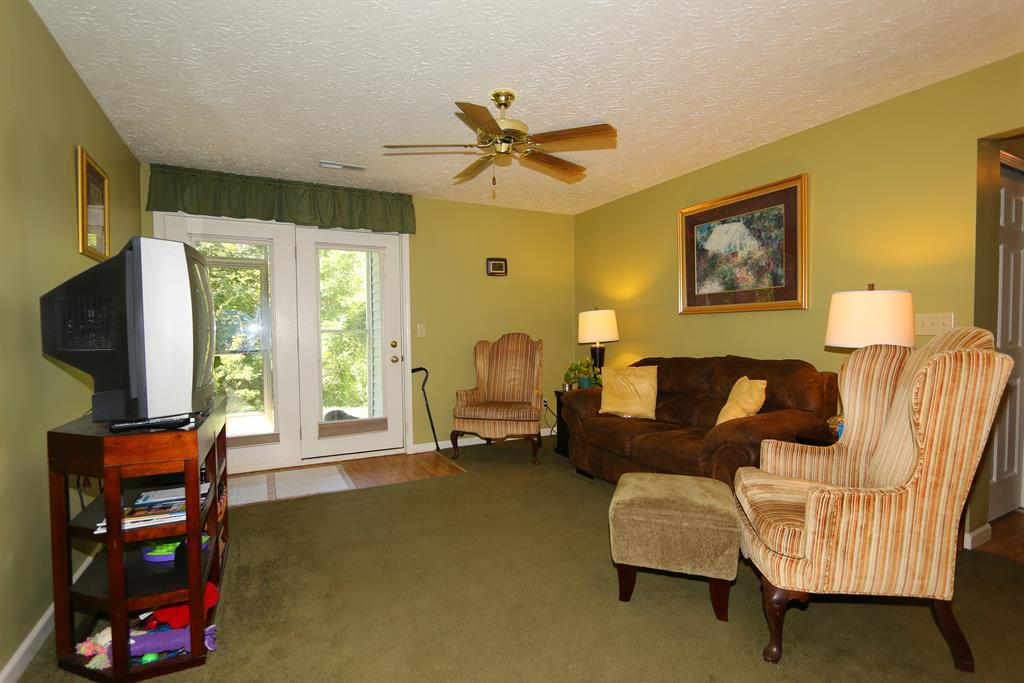 Living Room for 225 Cave Run Dr, 3 Erlanger, KY 41018