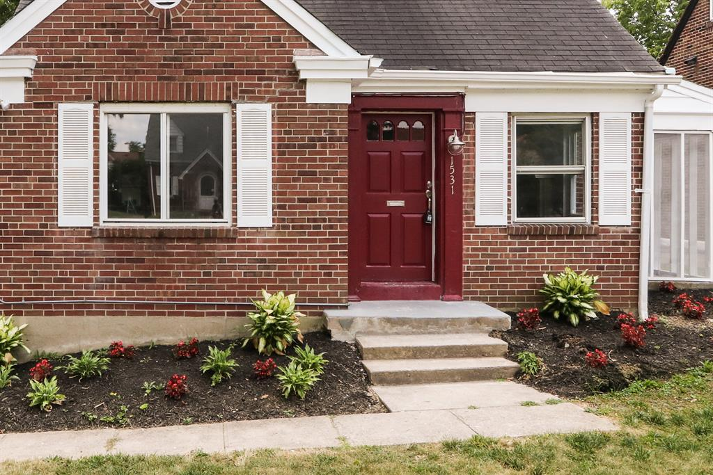 Entrance for 1531 Robinwood Ave Roselawn, OH 45237