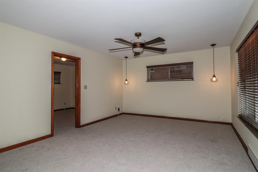 Living Room for 14 Scott Dr Florence, KY 41042