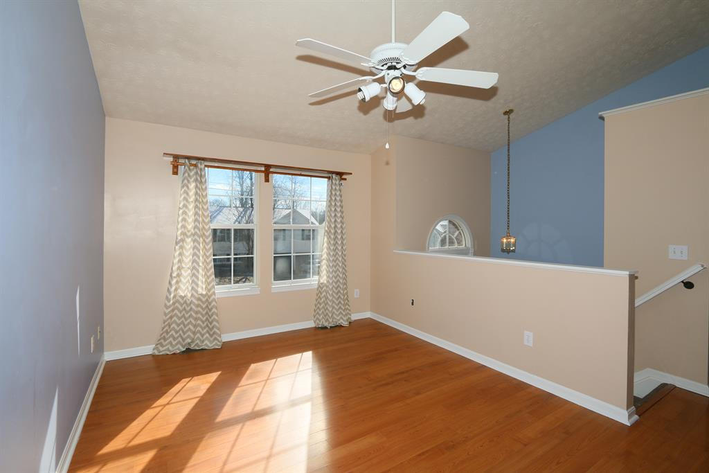 Living Room for 532 Grouse Ct Elsmere, KY 41018