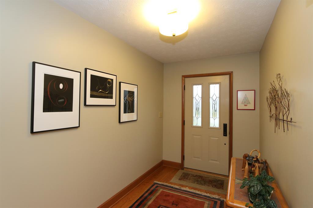 Foyer for 7299 Mountain Trl Washington Township, OH 45459