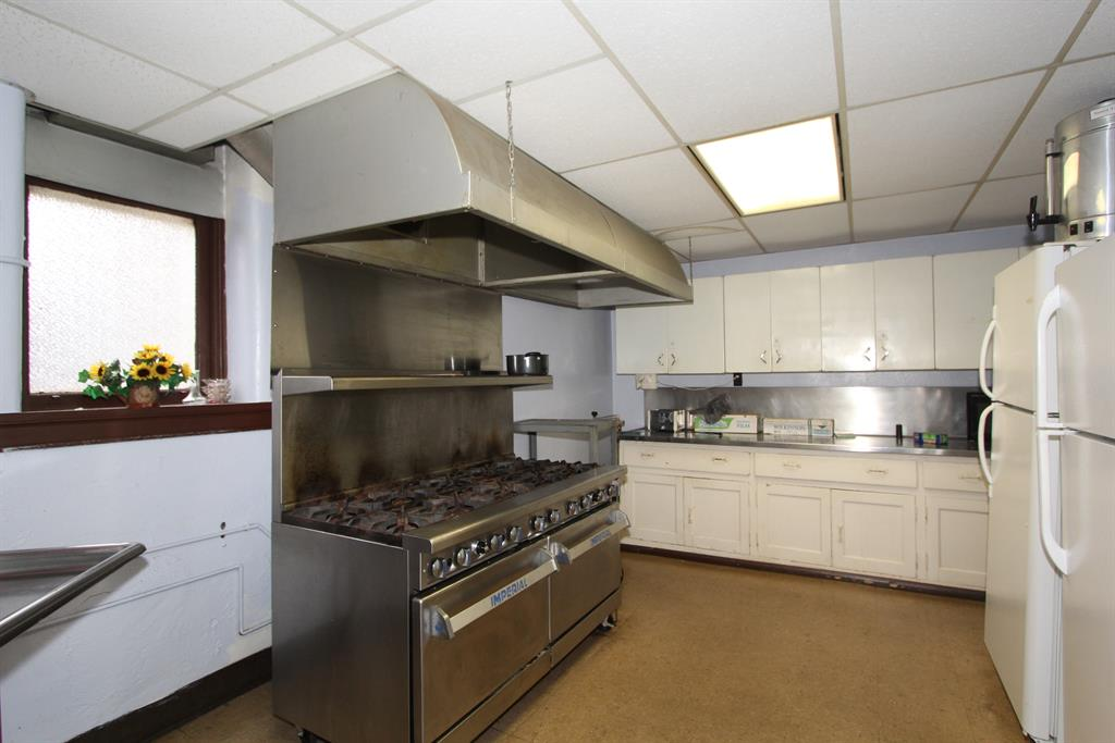 Kitchen image 2 for 2037 Courtland Ave Norwood, OH 45212