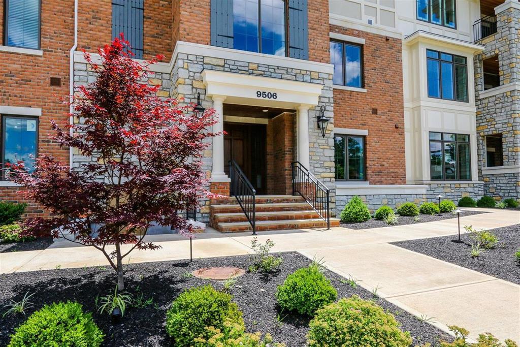 Entrance for 9506 Park Manor Blvd #204 Blue Ash, OH 45242