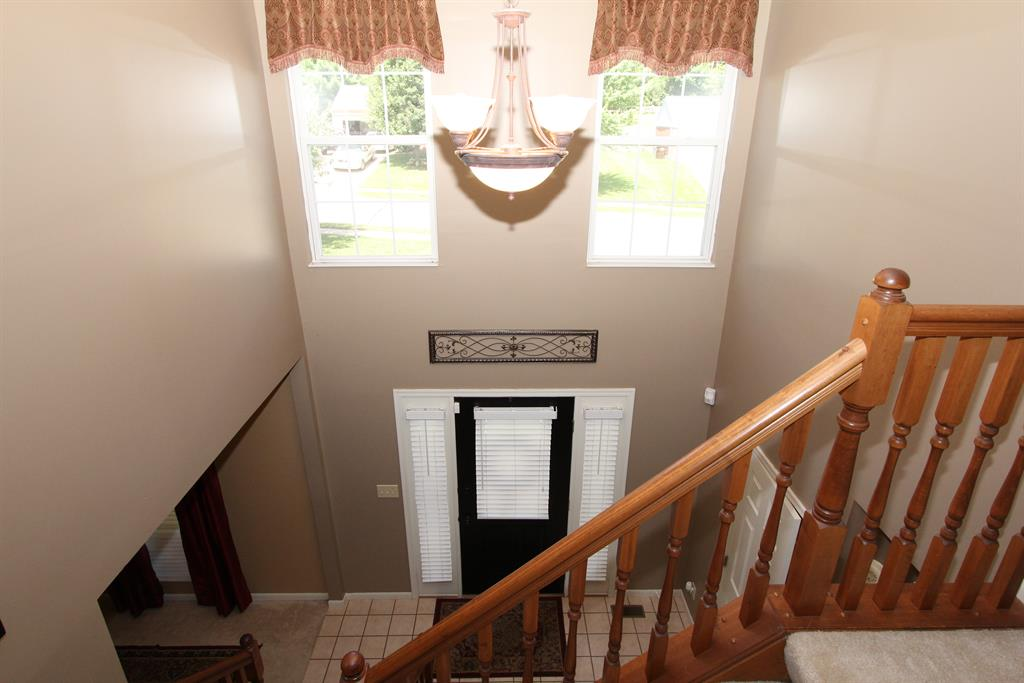 Foyer for 139 Lake Park Dr Alexandria, KY 41001