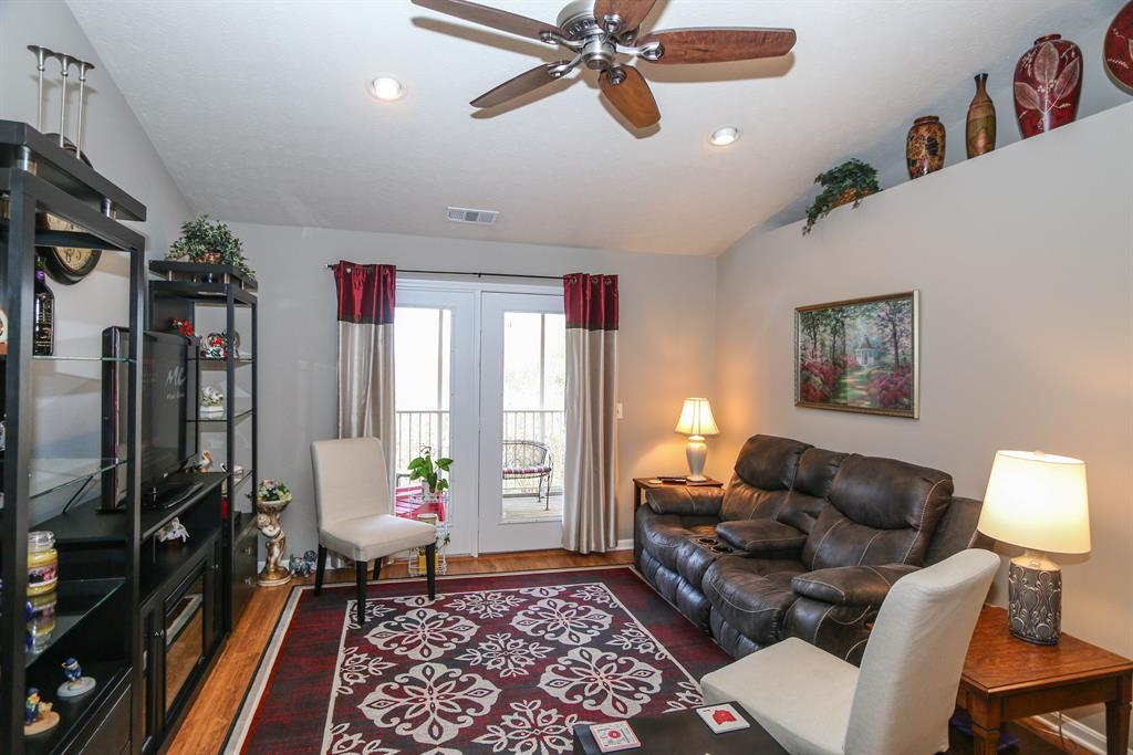 Living Room for 6366 Cheviot Rd, 15 White Oak, OH 45247