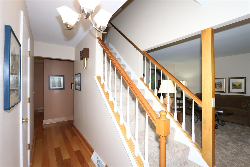 Foyer for 4 Timberview Ct Highland Heights, KY 41076