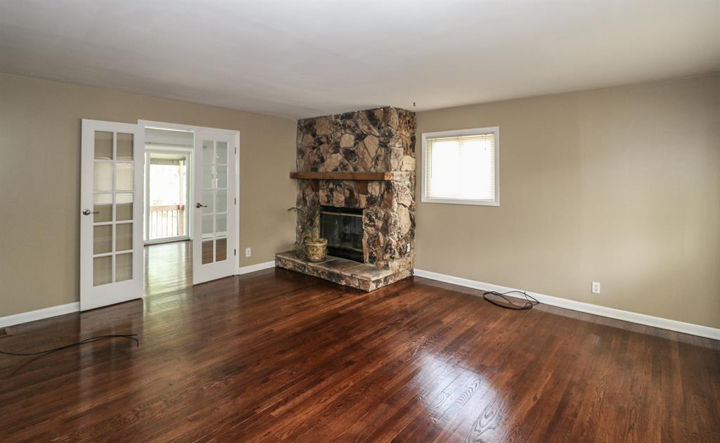 Living Room for 9771 Wildbrook Dr Springfield Twp., OH 45231