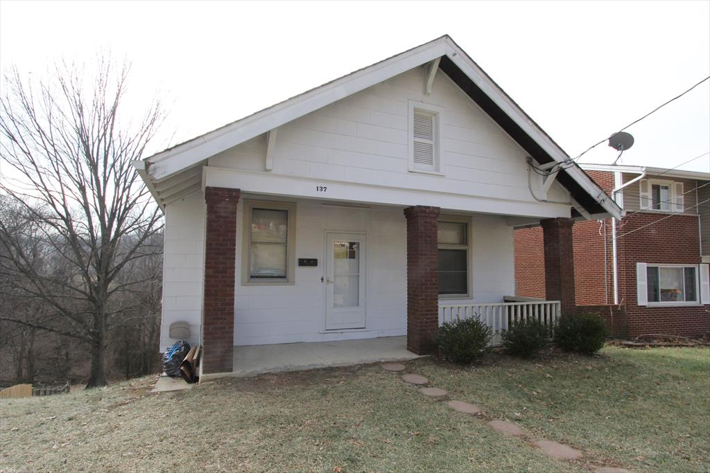 Exterior (Main) for 137 North St Southgate, KY 41071